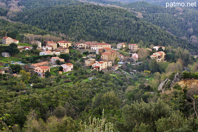 Photo of Pietrapola i Bagni village in the mountains of North Corsica
