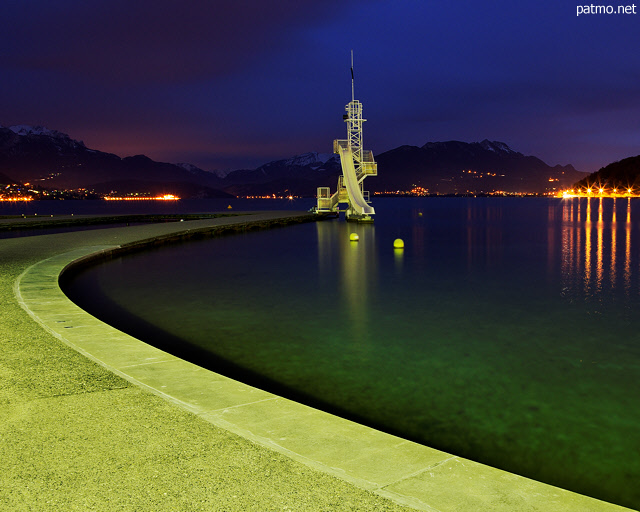 Image of nightfall on Annecy lake and Imperial beach