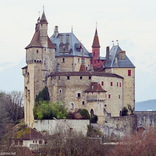 Image of the medieval castle in Menthon Saint Bernard