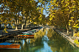 Photo of the autumn colors on Vasse channel in Annecy