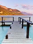 Photograph of lake Annecy by a springtime afternoon