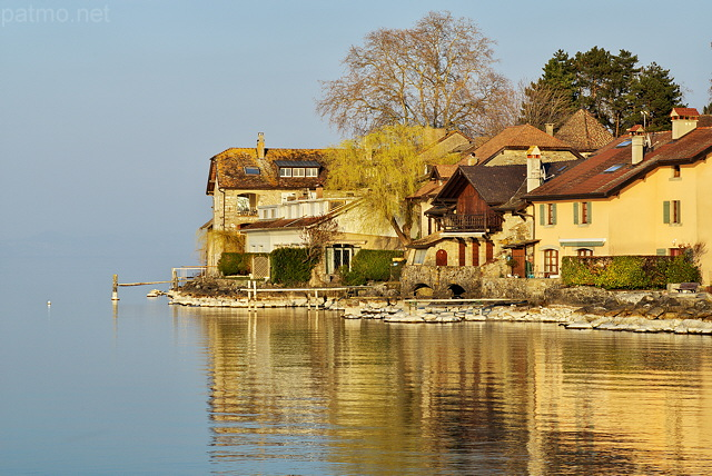 Image of houses in Nernier on Geneva lake