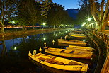 Photo of the first light of the day on Vasse channel in Annecy
