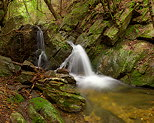 Image of a Provence waterfall in Massif des Maures